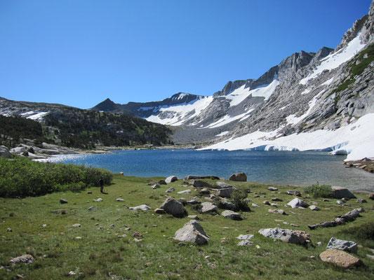 Upper Fletcher Lake liegt eingekesselt