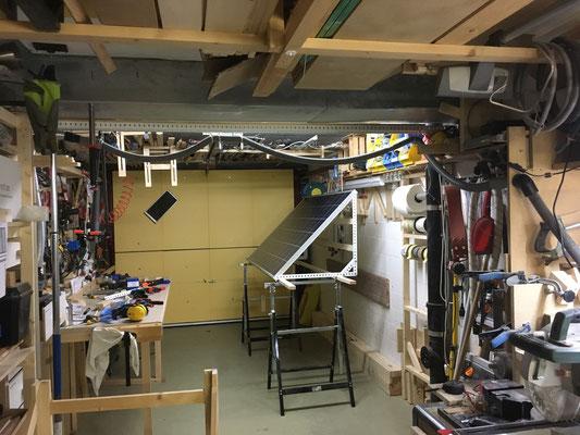 Montagebereit - der Unterbau, die Holzkiste, abgestimmt auf die Panele wird der nächste Arbeitsschritt.