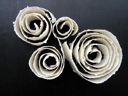 Spiralen, 2012; Papierporzellan; (Gruppe) BxTxH: 26x18x5 cm
