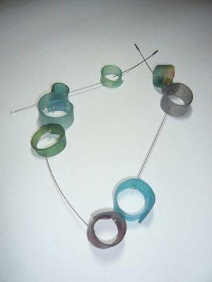 Halskette, Zelluloid selbst gefärbt, Edelstahl