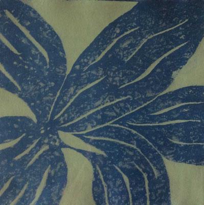 Blaue Blume, 2007, Papierguss mit Schablone, 40 x 40 cm