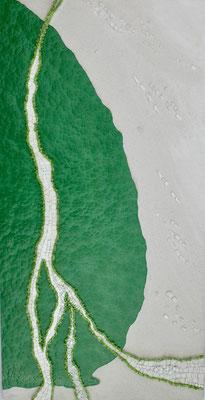 Weiße Linie 1, 2018, Zeitgenössisches Mosaik,  B 40 x H 79 x T 4cm