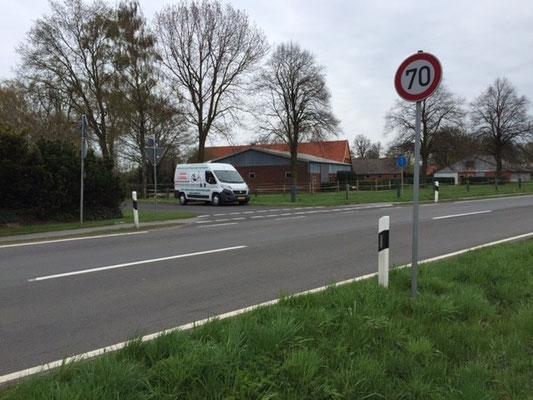 Speurveld van Ixy en Igor 18 april 2016. De nieuwe bus van Ven der Veen Tweewieliger, Balkbrug.
