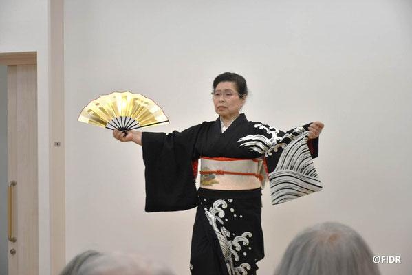 本ページに投稿くださった、中村郁子さんの素晴らしい踊り