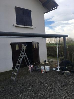 12 mètre linéaire pour protéger, porte d'entrée, porte de garage, fenêtres tout en décorant la façade.