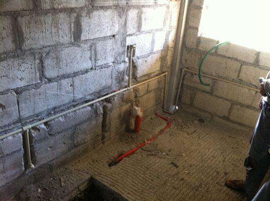 Wasserleitungen unter Putz geführt