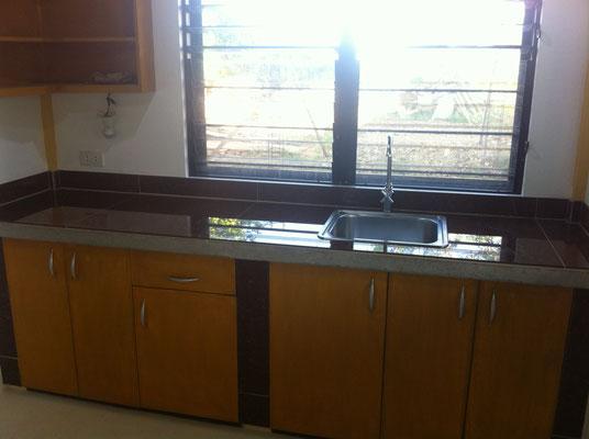 Küchenabdeckung mit Bodenplatten