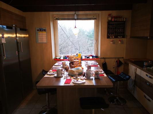 Morgentisch hat Agnes angerichtet