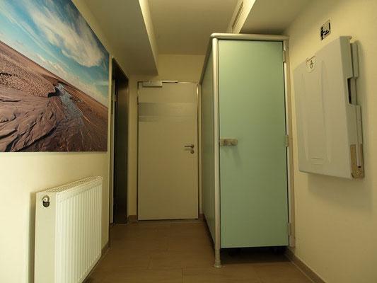 Eingang zur Sauna, Dampfbad und Infrarotkabine