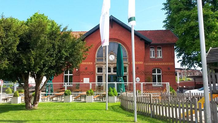 Alter Bahnhof Kupferdreh mit Restaurant LUKAS