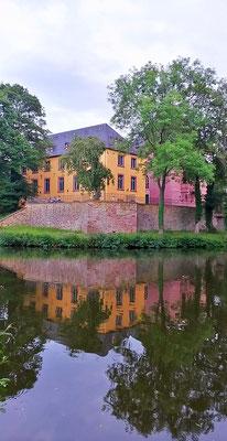 Am Schloß Burgau
