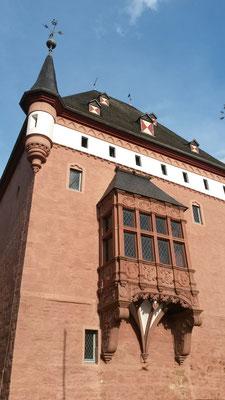 Renaissance-Erker an Schloß Burgau
