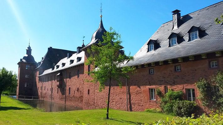 Schloß Adolphsburg aus dem 17. Jahrhundert