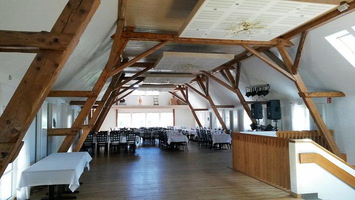 Großer ausgebauter Dachboden mit reichlich Platz für Gäste bei schlechterem Wetter