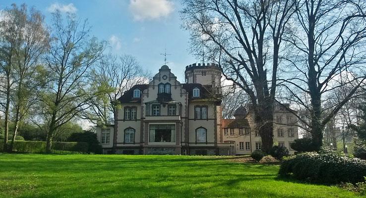 Zwischen Herrenhaus und Teich, tolle Ausblicke haben die Herrschaften