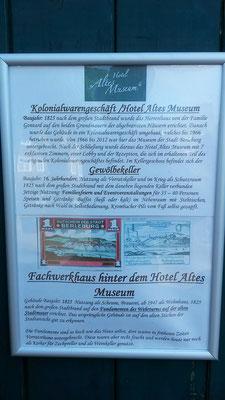 """Hinweise am Hotel """"Altes Museum"""" eine wirklich romanische Übernachtungsmöglichkeit"""