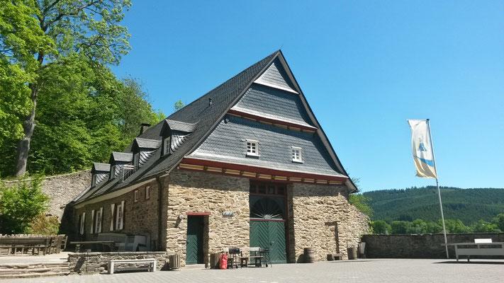 Feierhalle der Burg Bilstein