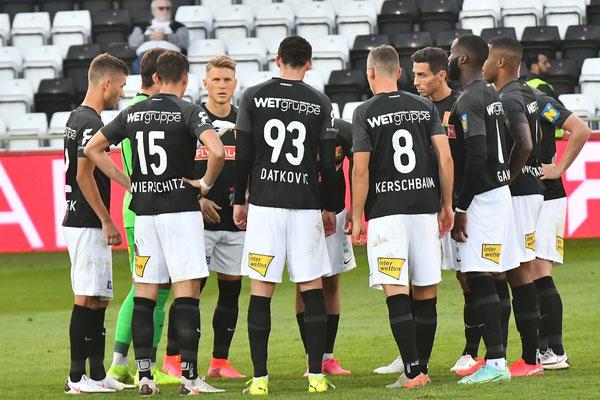Bevor die Partie gegen Altach angepfiffen wurde sprach der Kapitän Andreas Leitner zu seinem Team