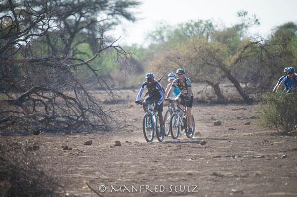 Mashatu: Vor Bikern ist man nirgends sicher...