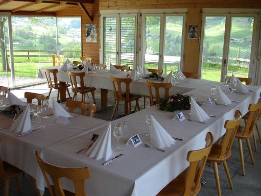 Tische für 20 Personen