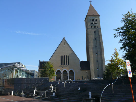 ander zicht op de St Martinuskerk