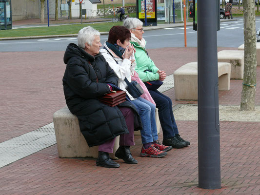 Gezellig wachten op de bus