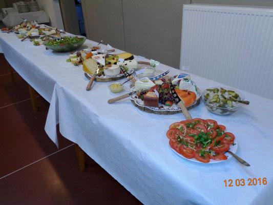 de etenswaren staan klaar
