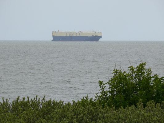 aktiviteit op zee, gezien vanaf vorig gezichtspunt