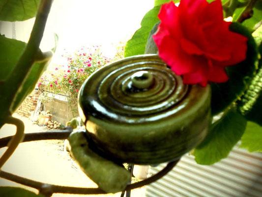 一輪の薔薇 あおい夢工房 炎と楽園のアート 小林夢狂