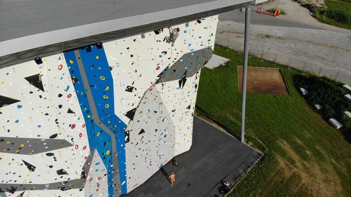 ES-Vertikal Kletterzentrum Außenwand Seilklettern
