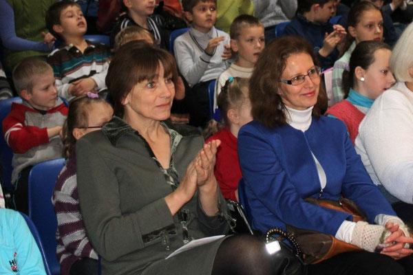 Švietimo skyriaus vyriausioji specialistė Zita Tytmonienė ir Jurbarko rajono pradinio ugdymo pedagogų būrelio pirmininkė Lolita Žukauskienė.