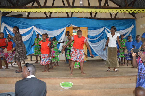 Tanz 'AG der  Gehörlosenschule