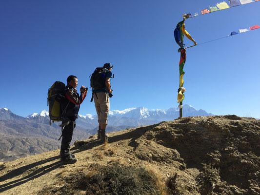 Auf einem der vielen 4.000 Meter hohen Pässe Richtung Lo Mantang, Blickrichtung Osten