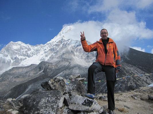 Mein höchster Gipfel: Sherkim Peak 5015m, hinten die Ama Dablam