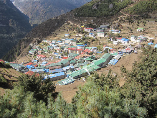 """Namche Bazar, die """"Hauptstadt"""" der Sherpas"""
