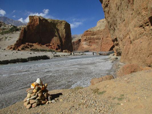 Überquerung des Kali Gandaki Nadi vor Celle