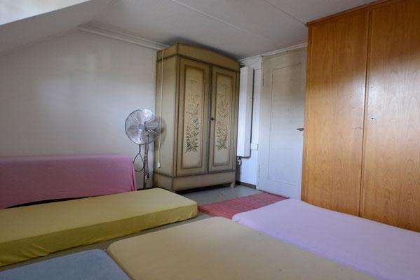 Dachzimmer 4 Plätze