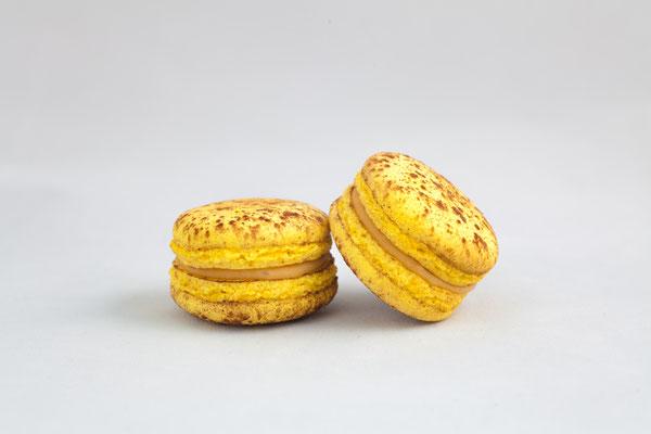 Macaron Caramel Passion