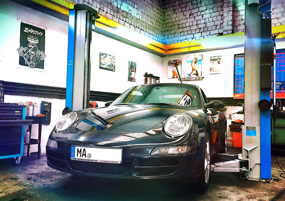 Porsche Carrera 4 Cabriolet