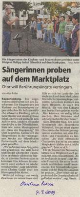 Sängerinnen proben auf dem Marktplatz - Öffentliche Chorprobe 2009 des Frauenchores Rauschenberg
