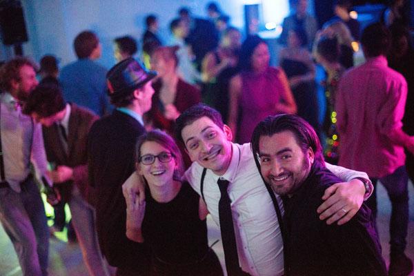 Justine, Lucas et Daniel, notre collègue italien lors de la fête de Noël