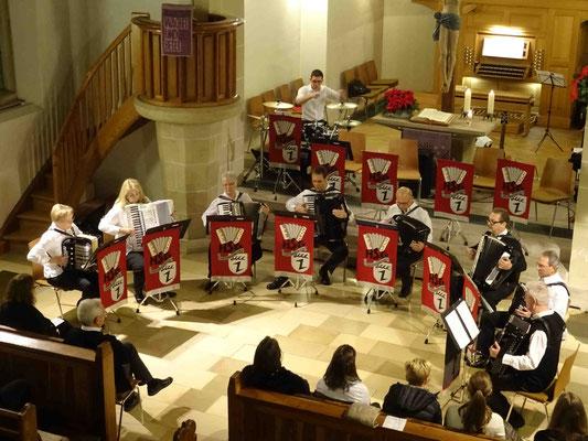 Der Konzertbeginn mit den HSG Senioren.
