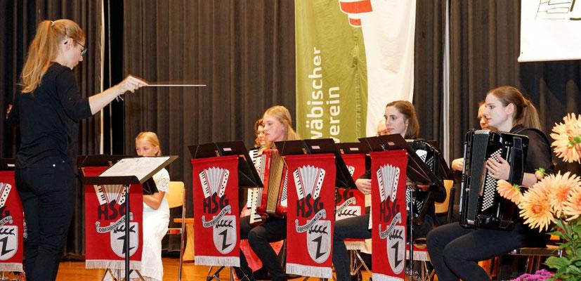 Das Schülerorchester unter der Leitung von Elke Steinhauser.