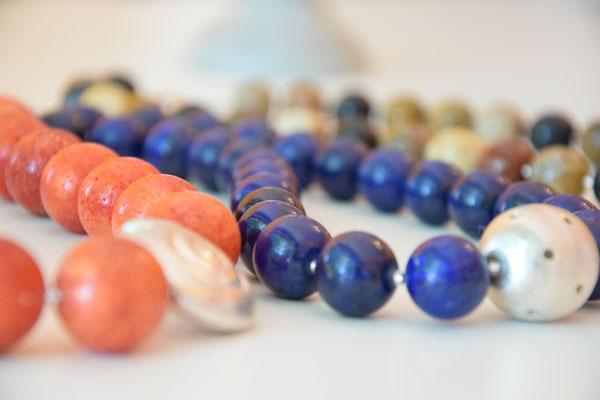 Koralle, Lapis Lazuli