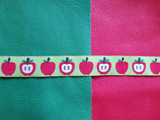 Äpfel mit hellgrünem Hintergrund (auf tabaluga/feuerrot)