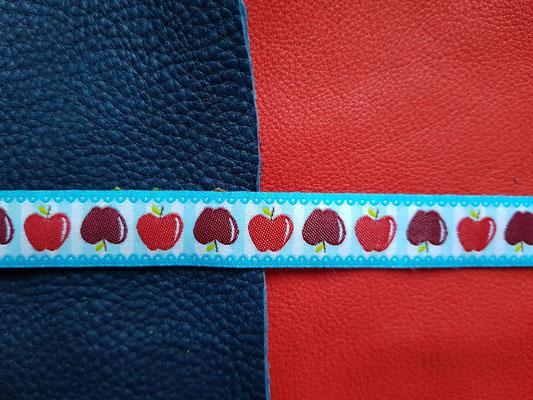 Äpfel mit hellblauem Hintergrund (auf tobago/feuerrot)