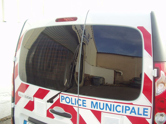Véhicules prioritaires police / vitres teintées anti-agression Eas Automobiles