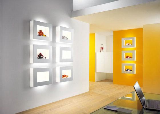 Schmitz-Leuchten GmbH & Co. KG Gefräste und geklebte Warenpräsenter von ATHEX