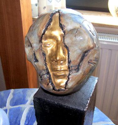 Ton wird zu einem Kunstwerk- Skulptur