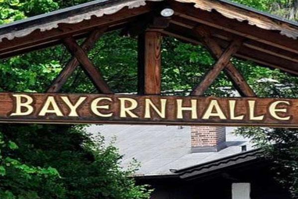 Eingang der Bayernhalle in Garmisch-Partenkirchen